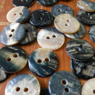 Pearl Blue Back shell buttons